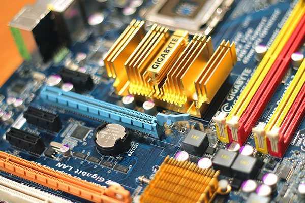 motherboard-699034_1280